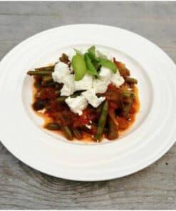 Griekse sperziebonen in tomaat-aubergine saus