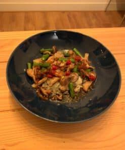 Shiitake wok met bloemkoolrijst en sperziebonen