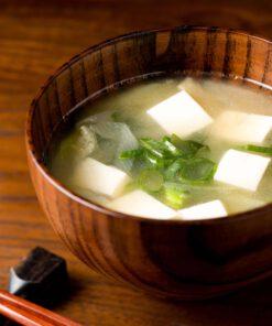 Japanse soep met tofu